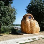 Owl-shaped-timber-cabin_13