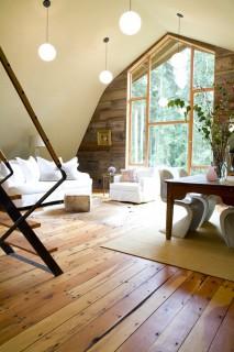 Barn 01 interior