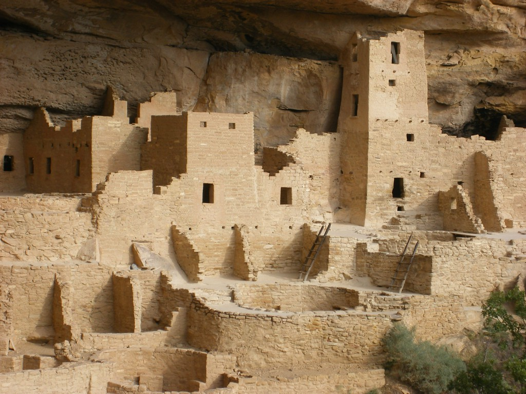 Cliff-Dwellings-at-Mesa-Verde