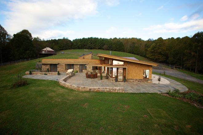 Green roof farmhouse 1